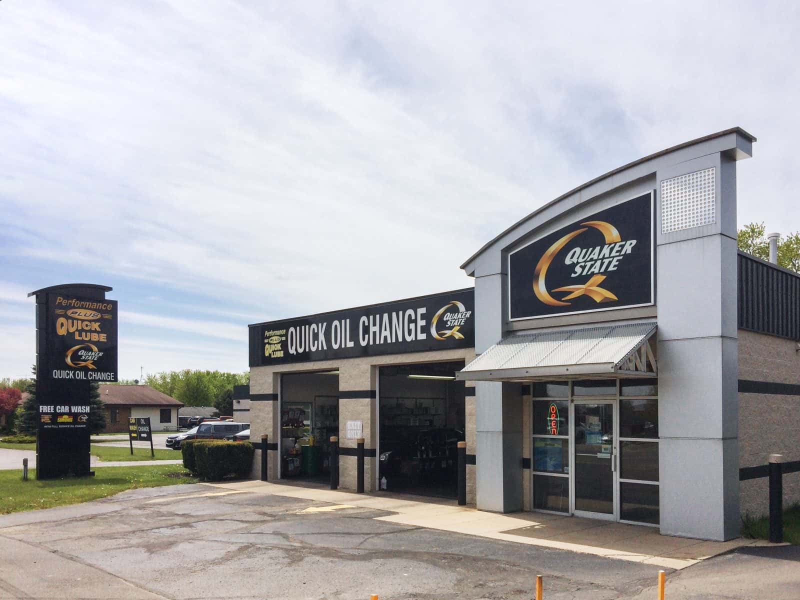 oil change store in Ionia