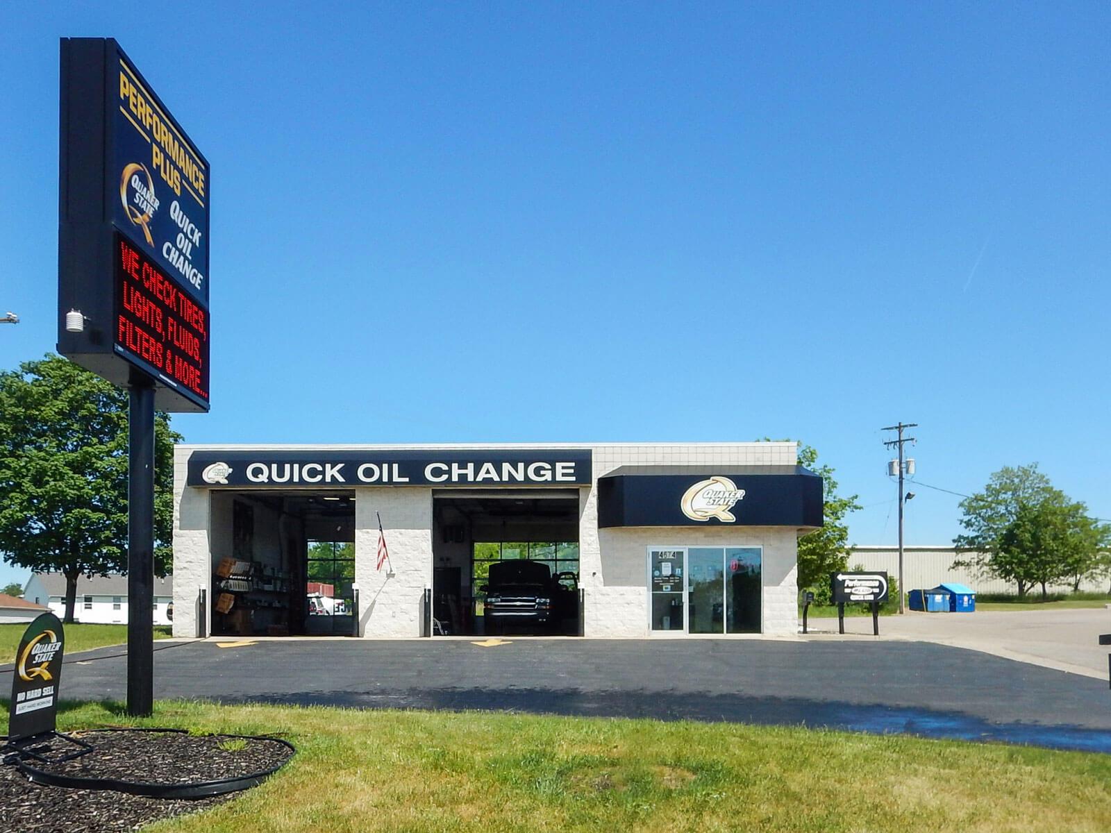 oil change store in Hudsonville